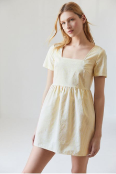 The+babydoll+fit+is+perfect+for+a+simple+yet+antique+style.+Try+out+a+babydoll+dress+or+shirt+to+look+effortlessly+styled+and+slightly+vintage.+%0A%0A