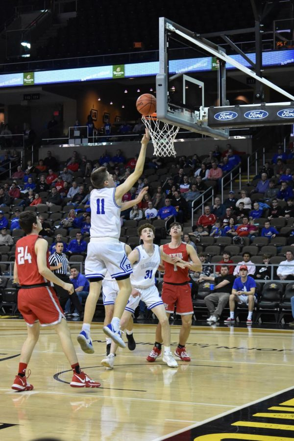 Boys Varsity basketball team loses devastating game to Covington Catholic High School