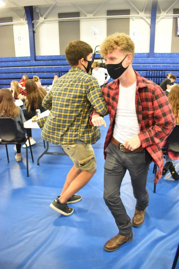 PHOTO GALLERY: Students dress up for day four of Spirit Week, Country Day