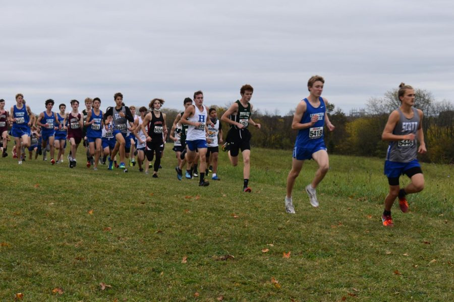 Senior Will Griffith runs with the front of the pack at KHSAA AA Cross Country Regionals.