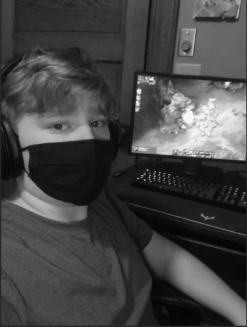 Junior Zack Fischer plays League of Legends.