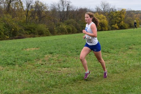 Sophomore Ruby Smith races to the finish.
