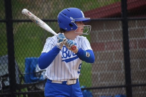 Sophomore Kennedy Baioni prepares to hit a line drive.